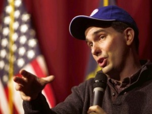 Scott Walker in baseball cap und