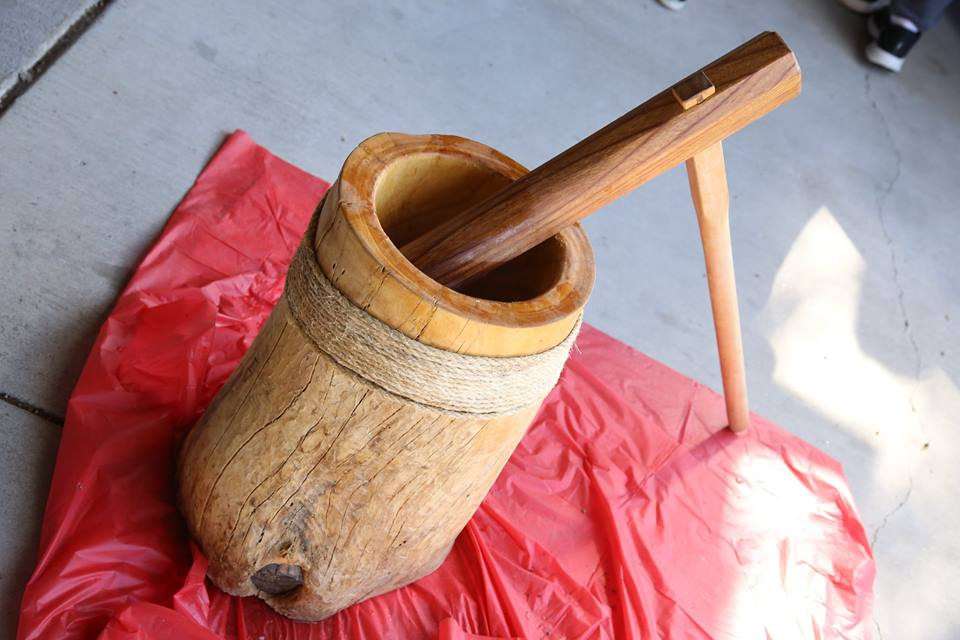 Usu (mortar) and kine (mallet) before the pounding. Photo credit James Tokishi