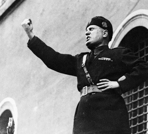 Gasp(ing)! Mad King Donald's Mussolini Moment On The Balcony